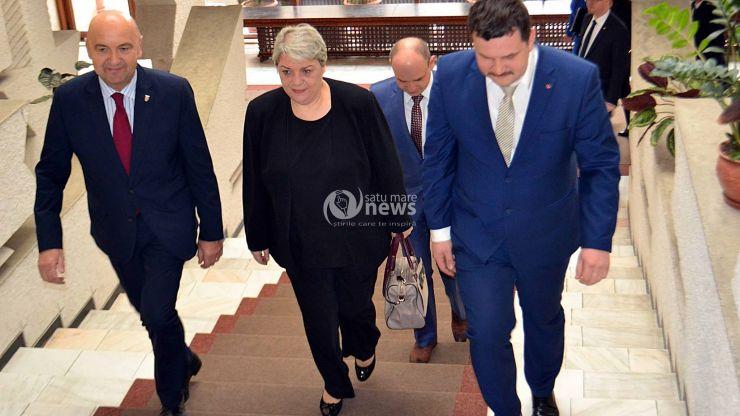 Sevil Shhaideh, ministrul dezvoltării regionale, administrației publice și fondurilor europene a ajuns la Satu Mare