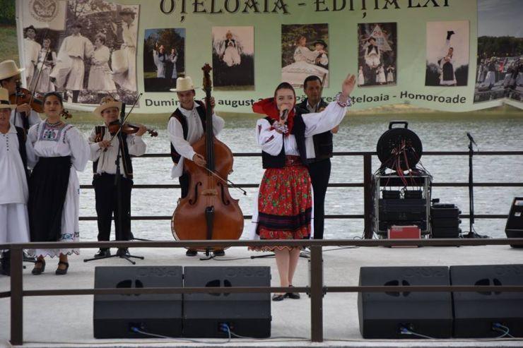 Festivalul de la Oțeloaia, la a 63-a ediție. Spectacolul va fi prezentat de celebra realizatoare și prezentatoare de emisiuni folclorice, Iuliana Tudor