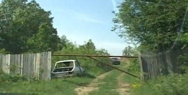 Dosar penal pentru un bărbat care a blocat un drum