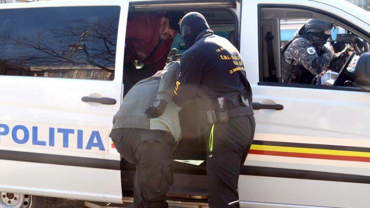 Sătmărean urmărit internațional, depistat de polițiști
