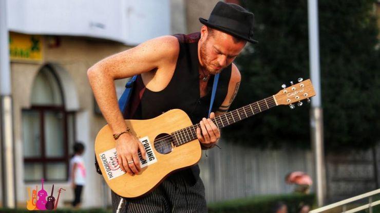 Britanicul Pete The Temp a câștigat ediția din acest an a Festivalului Muzicii de Stradă