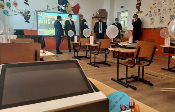 Școala Gimnazială din Santău, dotată cu echipamente IT de ultimă generație
