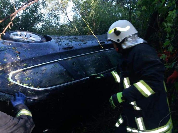 Mașină răsturnată la ieşire din Livada
