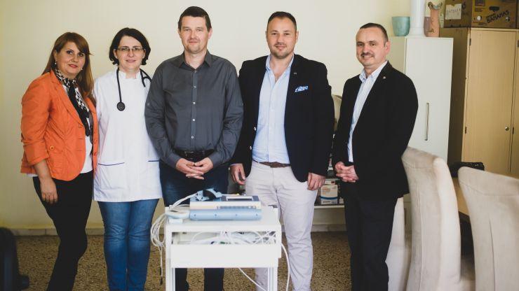 Artistul Nagy Norbert a donat aparatură medicală pentru Spitalul Județean de Urgență
