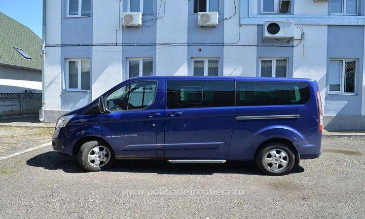 Microbuz în valoare de 25.000 euro, furat din Germania, descoperit la P.T.F. Urziceni