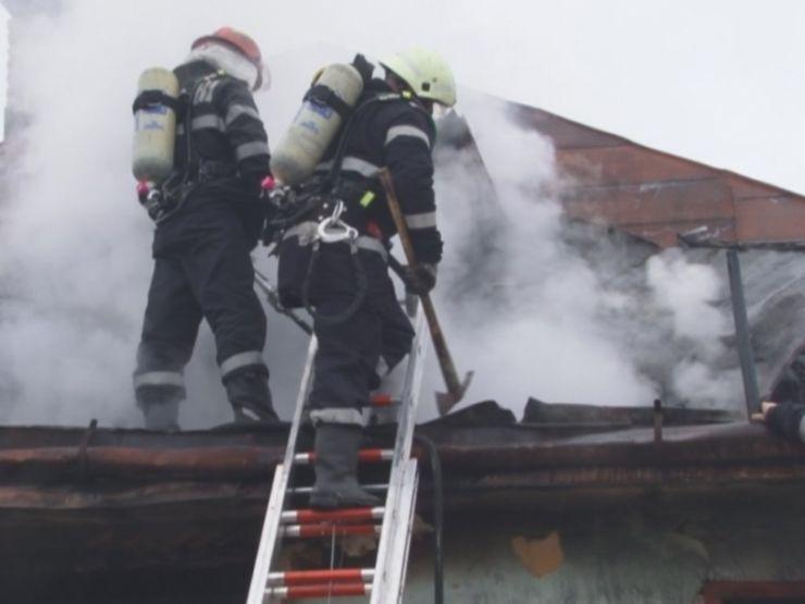 Incendiu în această dimineață la o casă din Păulești