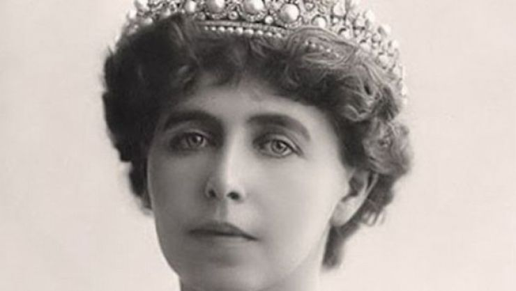 """""""Regina soldat"""", o expoziție de fotografie, ajunge la Negrești Oaș"""