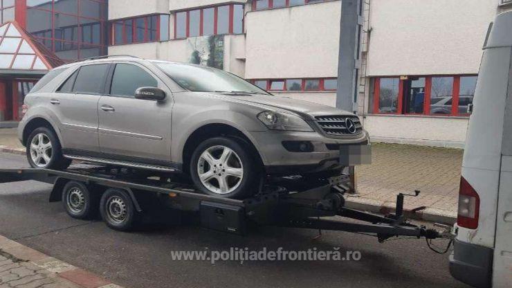 FOTO   Mercedes căutat de autoritățile din Belgia, descoperit de polițiștii de frontieră