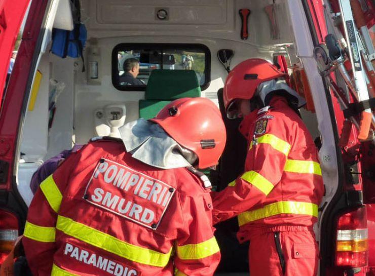 Accident în municipiu | Două persoane au fost transportate la spital