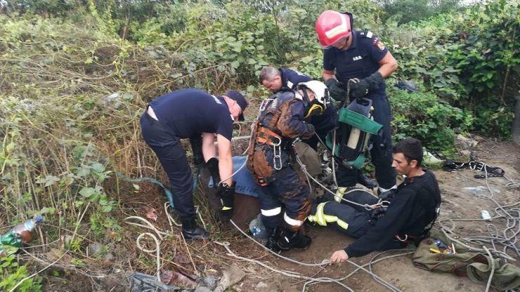Unul dintre cei doi bărbați căzuți în fântână a decedat în această seară