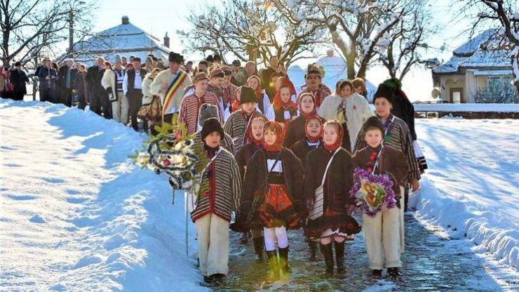 Oșenii se pregătesc de sărbătoare: Festivalul Datinilor și Obiceiurilor de Iarnă din Negrești-Oaș