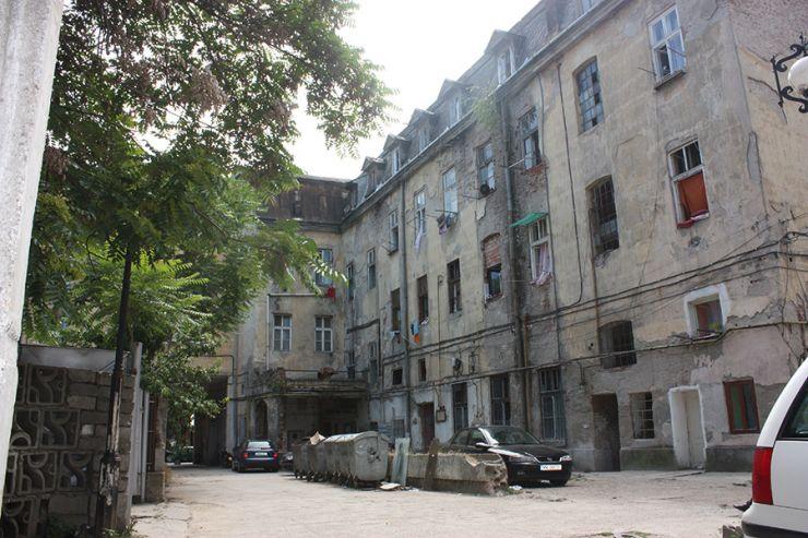 Un bărbat a incendiat un apartament de pe Horea! Peste 50 de persoane, evacuate