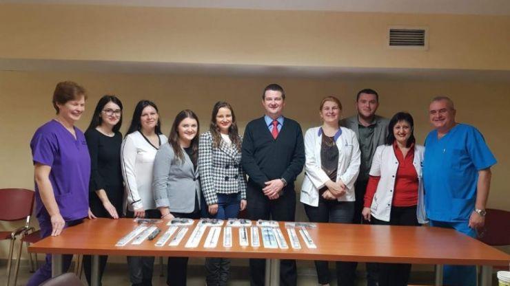 Tinerii Rotaract au donat instrumentar medical pentru Spitalul Județean