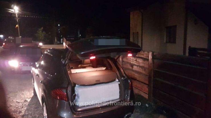 Porsche Cayenne burdușit cu țigări de contrabandă