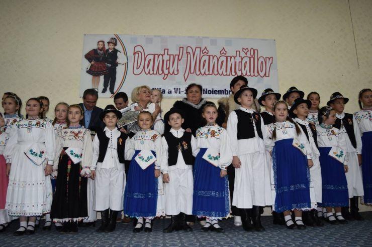 Cununița năzdrăvană a câștigat marele premiu la Festivalul Concurs Internațional de folclor Danțu Mânățăilor