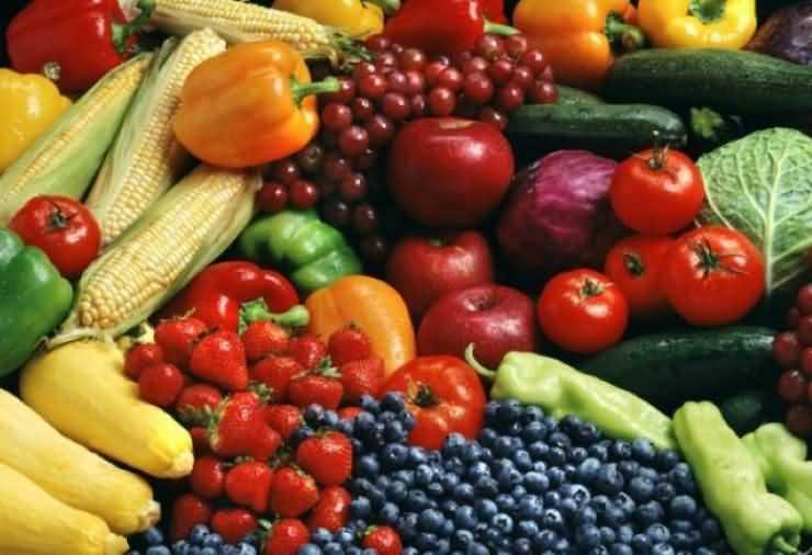 Comercianţii de legume şi fructe, verificaţi. Ce nereguli s-au găsit