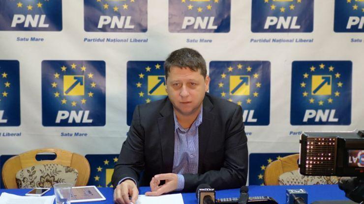 Deputatul PNL Romeo Nicoară acuză operatorii de tablete că descurajează sau dezinformează cetățenii care vin să se prezinte la vot